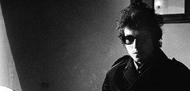 Bob Dylan purtând Wayfarers
