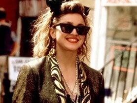 Madonna purtand Ray Ban Wayfarer